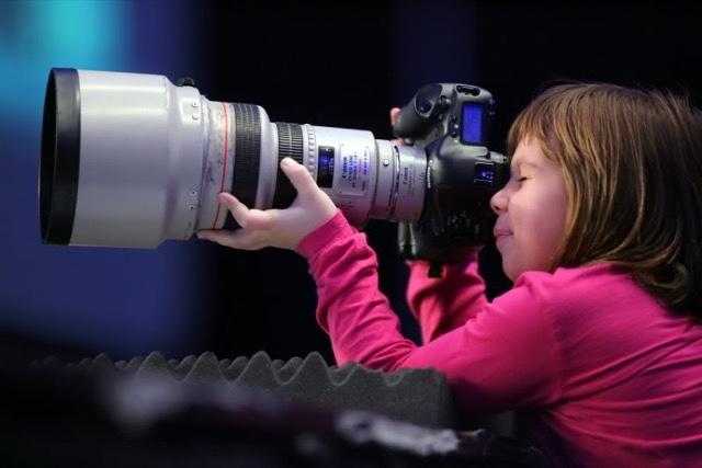 Sebesar Inilah Ukuran Lensa 200mm f 1.0